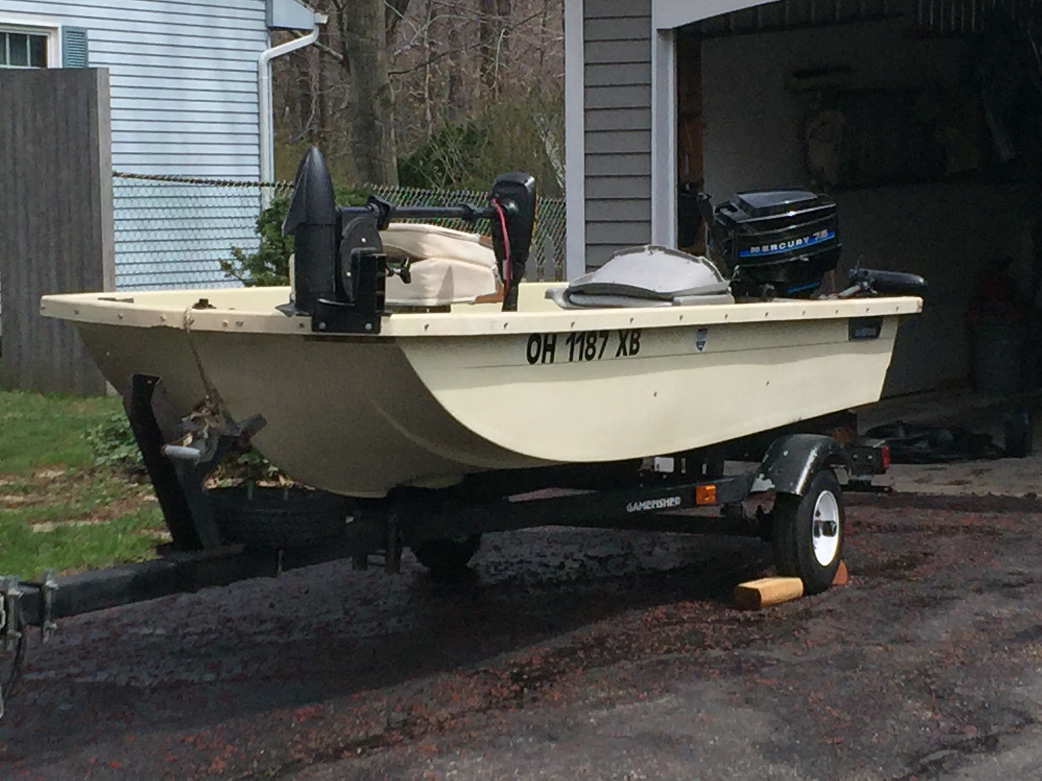 Small fishing boat w accesorries ohio game fishing for Fishing boats for sale in ohio